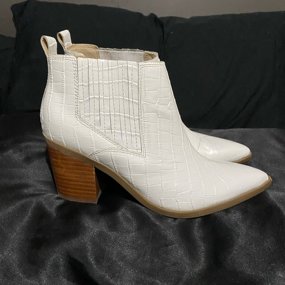 Brand new Marc Fisher western bootie size 8.5